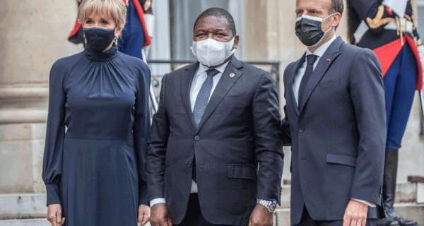 Macron seeks Mnangagwa's military intervention in Mozambique to continue looting Africa